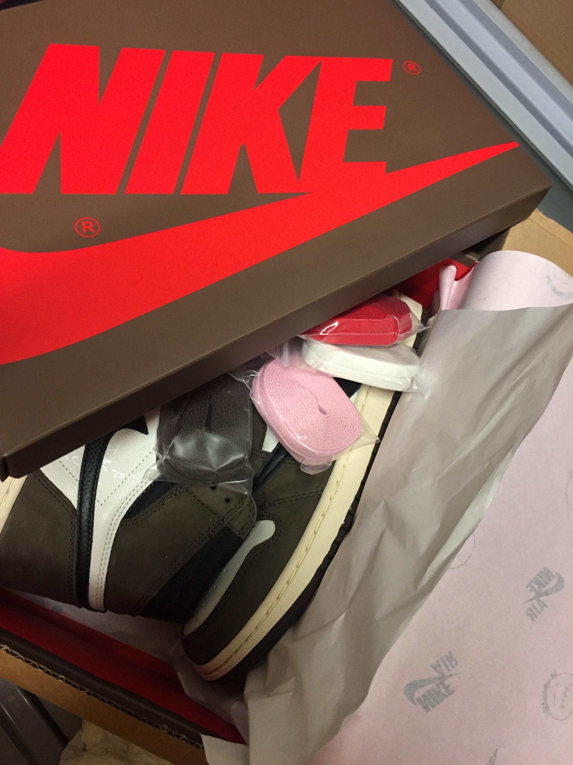 b8bfa421228 Nike air Jordan 1 Travis Scott US 8.5 - Meetapp